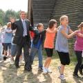 Podczas tanca z dziecmi