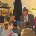 podczas czytania bajek dla dzieci
